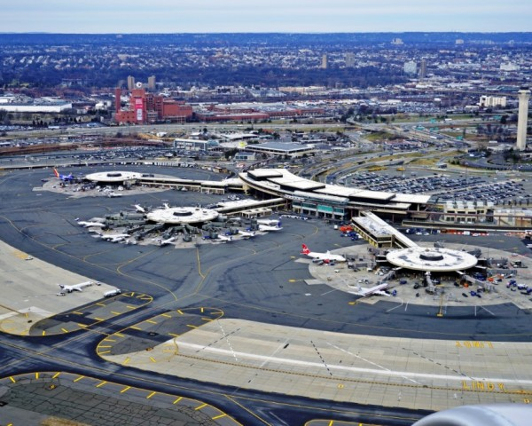 Waiting Monsters – Worst Airports in USA